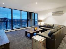 Luxxis Apartments - Southbank, hotel with jacuzzis in Melbourne