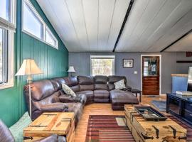 Cozy Retreat with Fireplace - Shuttle to Breck!, pet-friendly hotel in Breckenridge