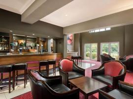 Ramada Hotel Warwick, hotel in Warwick