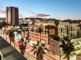 Urban Suites in Hollywood Heart of LA