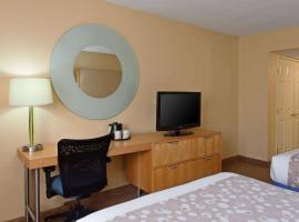 La Quinta by Wyndham LAX, hotel near Venice Beach Boardwalk, Los Angeles