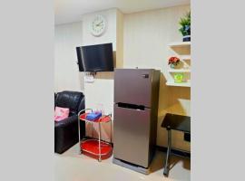 Romantic Comfy Apartment near Simpang Lima