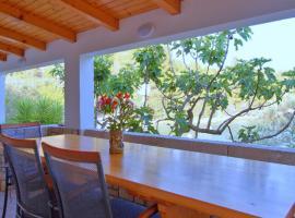 Getaway Beach House, budget hotel in Vela Luka