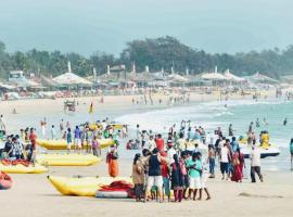 Holiday homes calangute bech, guest house in Arpora