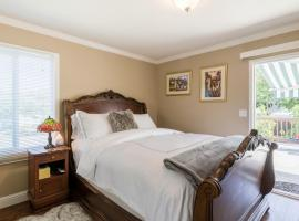 Bright and Beautiful Room with Garden, hotel in Redwood City