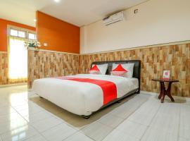 OYO 3306 Ganandra, hotel in Denpasar