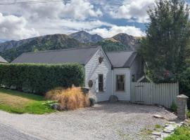 Stags Head Cottage - Arrowtown Holiday Home