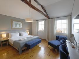 Feels Like Home Santa Catarina Prime Suites, hotel near D. Luis I Bridge, Porto