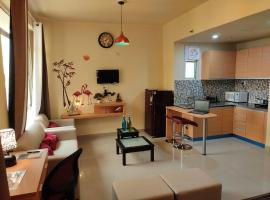 ROYAL EXOTICA - Private Studio Apartment near Expo Mart, hotel with pools in Greater Noida
