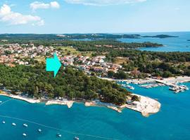 House Conte with 4 apartmens for max 14 persons close to Funtana beach and fantastic Adriatic sea with dozens of small islands in close proximity