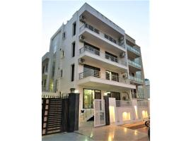 Olive Service Apartments Noida, apartment in Noida