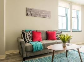 Upscale 1BR Apt in Downtown