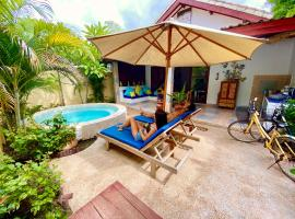 Cinta Cottages, hotel with pools in Gili Trawangan