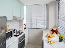 Park Avenue Clemenceau, apartment in Singapore