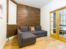 Times Square Holiday Rental 4 BR Loft !, pet-friendly hotel in New York