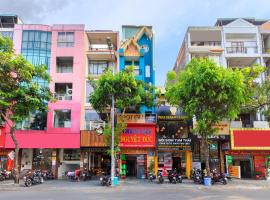 SPOT ON 905 Nguyet Duc Hotel, hotel near Tan Son Nhat International Airport - SGN,