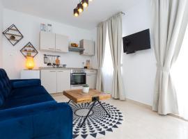 Lola center apartments, apartment in Hvar