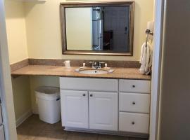 Beachgate Condo Suites and Hotel 432