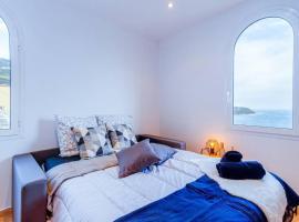 Brand New Studio, Sea View, AirCon, Wifi