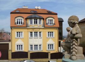 Hotel Garni Rambousek – hotel w pobliżu miejsca Willa Bertramka w Pradze