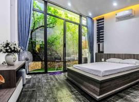 F.Home Modern & Art 3BR Near My Khe Beach, self catering accommodation in Da Nang