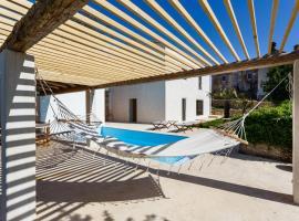 Luxury Contemporary Villa with pool