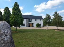 Airbnb | Roscrea - Holiday Rentals & Places to Stay - County
