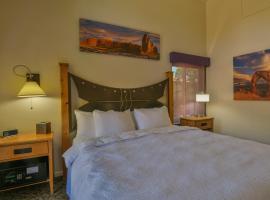 Gonzo Inn unit 213 - Downtown Moab unit Sleeps 2