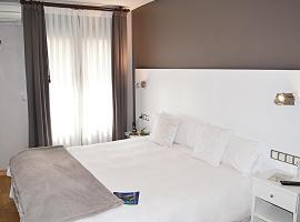 Hotel El Acebo, hotel en Jaca
