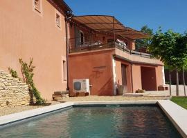Maison Roussillon avec vue exceptionnelle et piscine privée