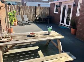 Ferienhaus Glücklich am Meer für 6 Personen, holiday home in Egmond aan Zee