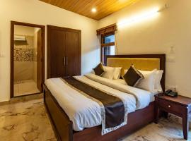 Sunny View Executive Room at Mall Road, Mussoorie