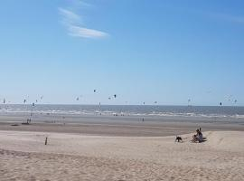 Residentie Waterfront, self catering accommodation in Nieuwpoort