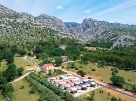 Kamp Jakov, campground in Starigrad