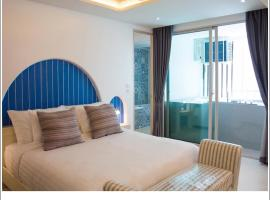 Costa Village Bangsaray, Residence with Private Jacuzzi, hotel in Bang Sare