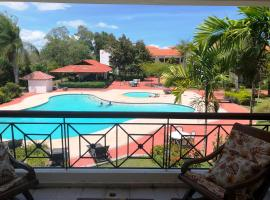Los Corozos Apartment A2 Guavaberry Golf and Country Club, hotel in Juan Dolio