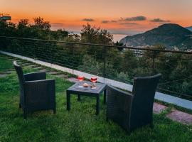 Villa Fanella, between Sorrento & the Amalfi Coast, hotel in Sant'Agnello