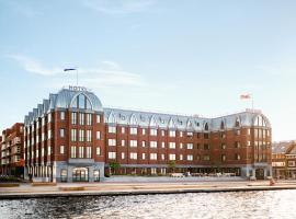 Hotel BOAT & CO, hotel di Amsterdam