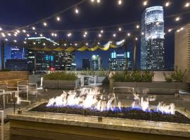 Donwtown LA Penthouses, hotel with jacuzzis in Los Angeles