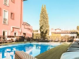 Hotel Benacus, hotel near The Olive Oil Museum, Lazise