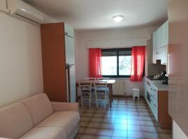 Soverato Apartments, hotel in Soverato Marina