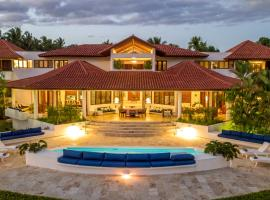 Private Brand New & Modern Villa with Pool & Staff, hotel in La Romana