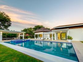New & Brand New Villa with Pool and Jacuzzi at Casa de Campo, hotel in La Romana