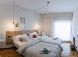 Alojamientos Estela, hotel near Yamaguchi Park, Pamplona