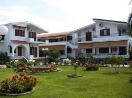 Hotel Katerina, хотел в Керамоти