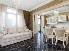 Greek Street Royal Apartment New, помешкання для відпустки в Одесі