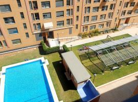 VALENCIA CITY CENTER COLLECTION - SWIMMING POOL - MARINA BEACH / Eleven Host, pet-friendly hotel in Valencia