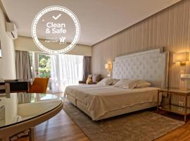 Carvoeiro Hotel, hotel near Benagil Beach, Carvoeiro