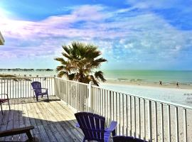 Misty Isles Redington Beachfront Suite 24 by Tech Travel, hotel in St. Pete Beach