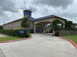 Regency Inn & Suites- NW Houston, motel in Houston